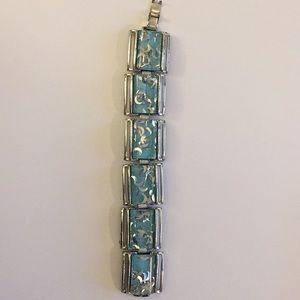 Vintage bracelet / costume jewelry